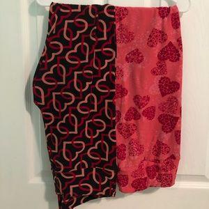 2 pair of Lularoe valentine's legs - TC